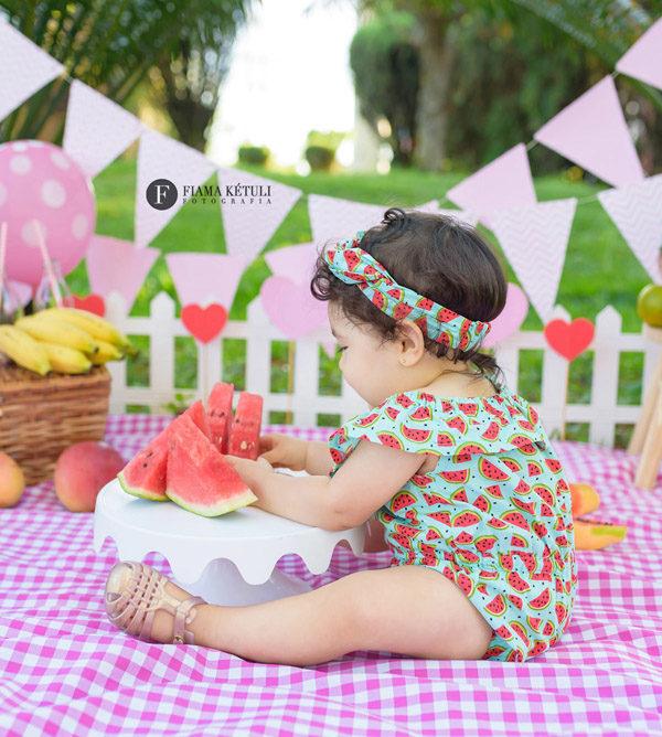 Fotógrafo de bebês. Ensaio completo, smash the fruit