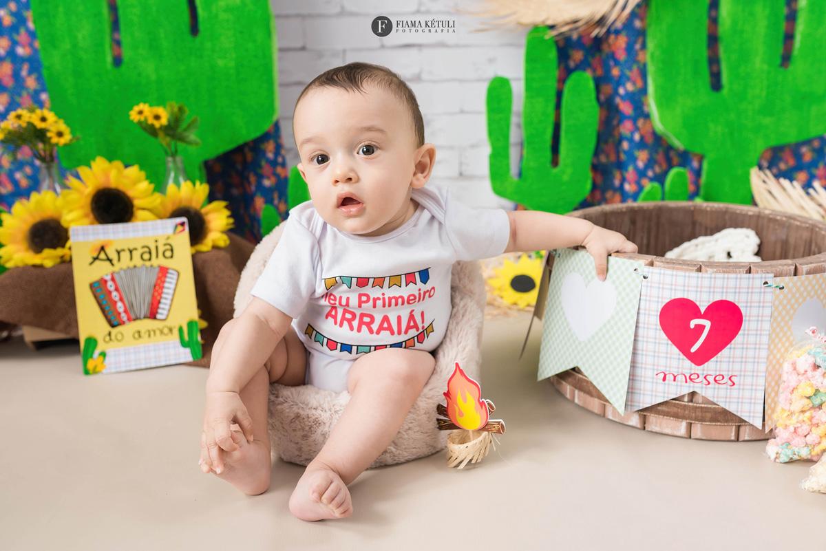 Ensaio junino de bebê em estúdio - Brasília DF