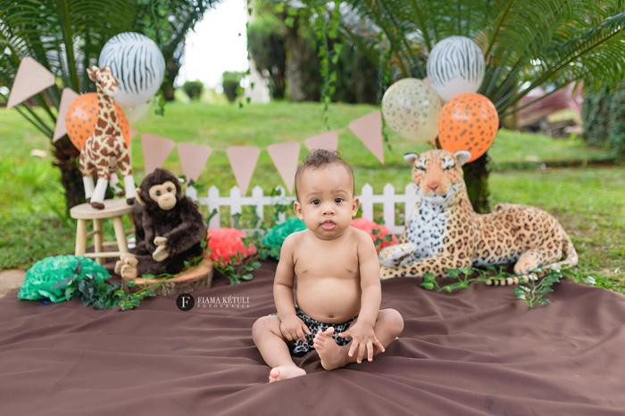 Ensaio de bebê com tema safari em Brasília
