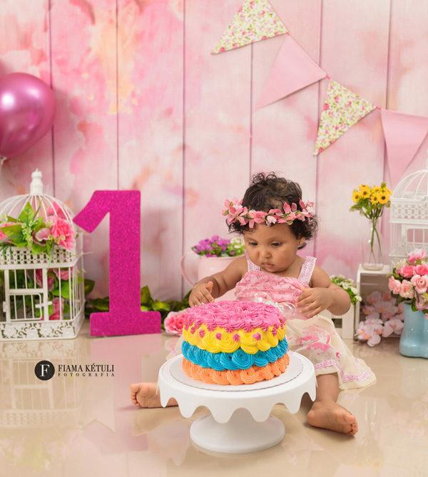 smash the cake em Brasília com tema flores para menina