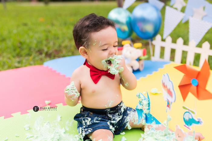 Fotos de bebê com bolo em Brasília