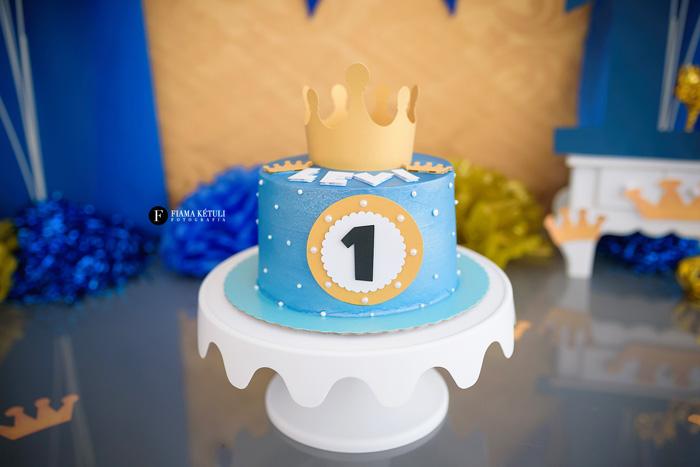 Bolo para Smash the Cake Reinado menino Brasília