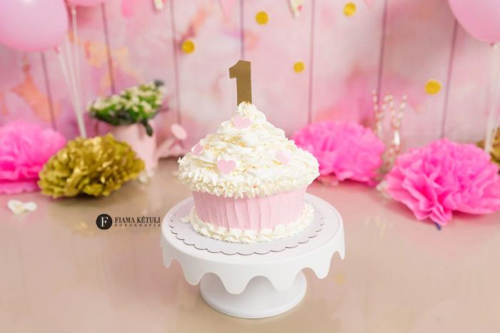 Bolo para Smash the cake Reinado menina Brasília