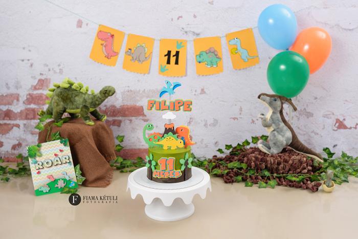 Bolo para smash the cake tema Dinossauros.jpg