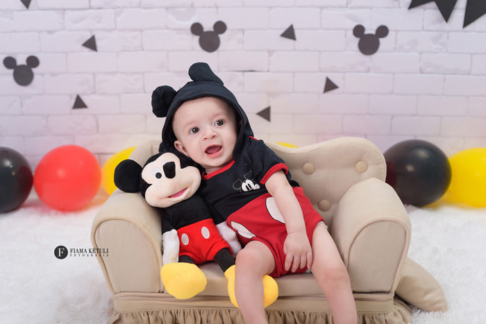 Fotos de bebê menino em estúdio Brasília