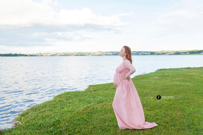 Foto de gestante no Lago em Brasília