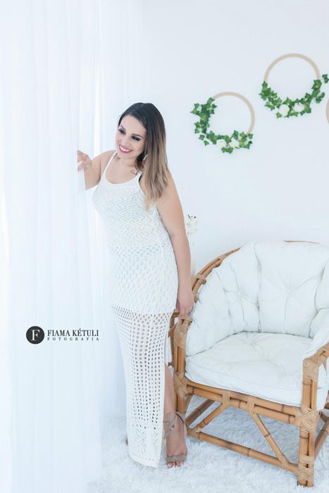 Fotógrafa em Brasília com roupas para ensaio