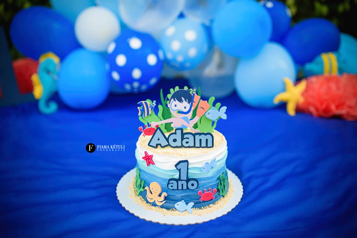 Smash cake para bebê com cenário completo em Brasília Tema Fundo do Mar