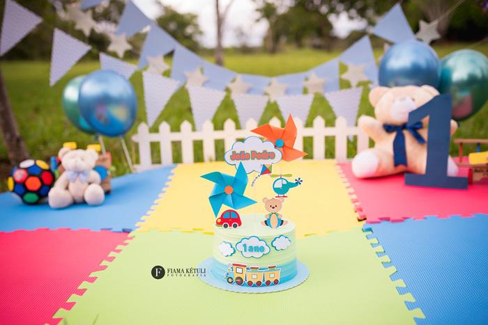 Smash the cake tema brinquedos Brasília