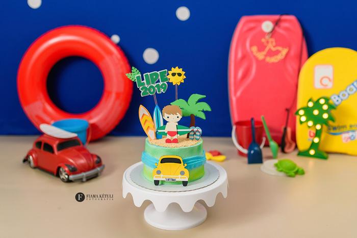 Smash the cake tema praia férias menino